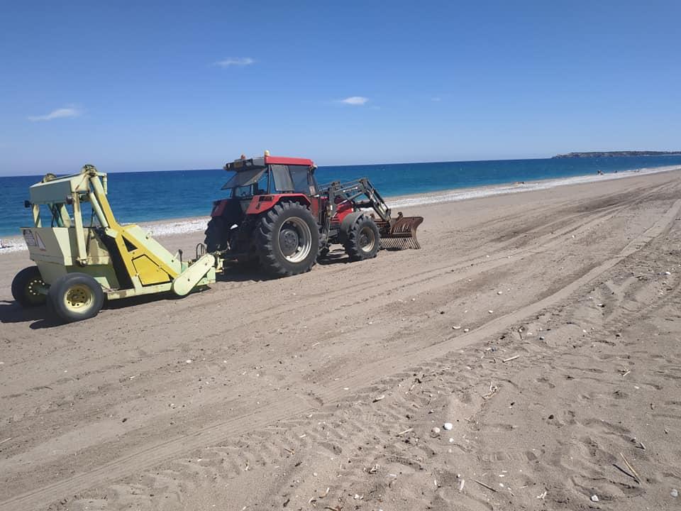 Καθαρίσθηκε η παραλία Αφάντου με την επίβλεψη του αντιδημάρχου Τάσου Σπανού