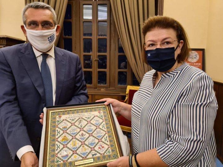 Παραγωγική συνάντηση εργασίας του Περιφερειάρχη Ν. Αιγαίου με την  Υπουργό Πολιτισμού Λίνα Μενδώνη.