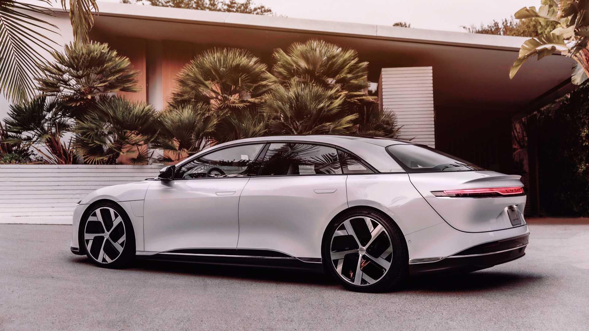 Ο αντίπαλος της Tesla! Έρχεται το ηλεκτρικό, σεντά μοντέλο με αυτονομία 832 χιλιόμετρα!