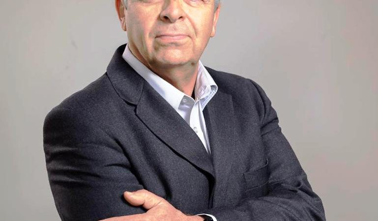 video – Ο Δημήτρης Κρητικός μιλά για σημαντικά θέματα που απασχολούν την Ρόδο , για την αναγκαία δημιουργία νέου λιμανιού και άλλα πολλά .