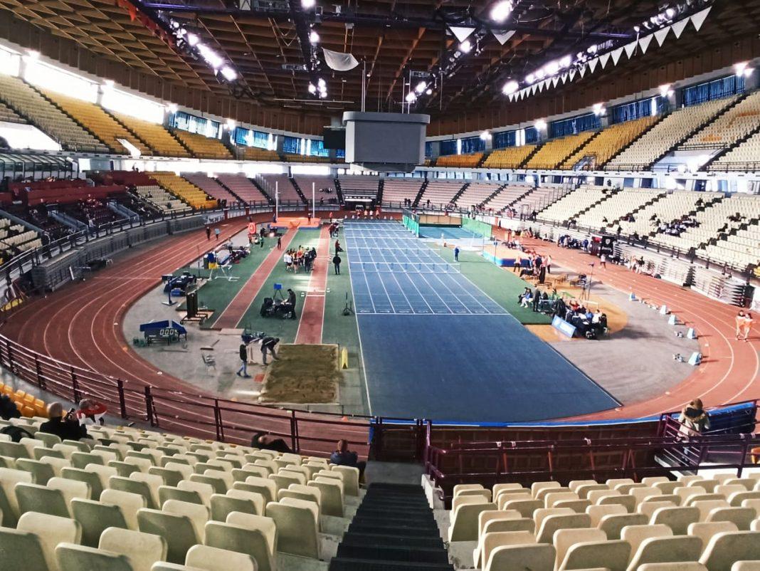 Μεγάλες επιδόσεις και πολύ καλές θέσεις πήραν οι Δωδεκανήσιοι αθλητές/αθλήτριες στους Πανελλήνιους Αγώνες Κλειστού Στίβου που πραγματοποιήθηκα στις 12-13 Φεβρουαρίου 2021 στο Στάδιο Ειρήνης και Φιλίας