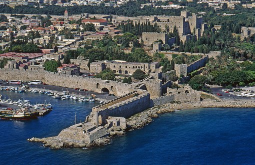 Προσκόμιση δικαιολογητικών για χορήγηση αδείας εισόδου/εξόδου  ιδιοκτητών ξενοδοχειακών μονάδων/καταλυμάτων Μεσαιωνικής πόλης Ρόδου