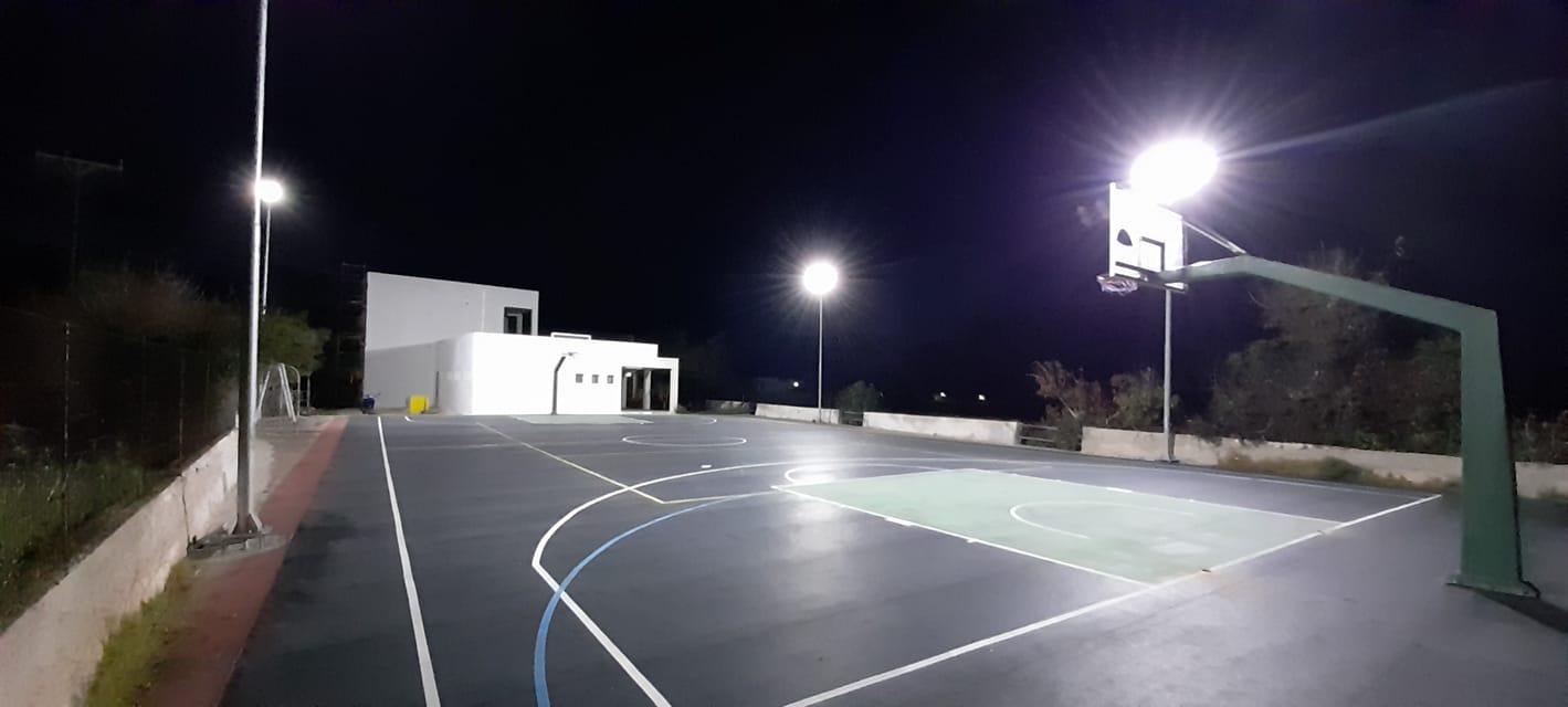 Απέκτησε φωτισμό το γήπεδο μπάσκετ της Ηρωικής Νήσου Κάσου