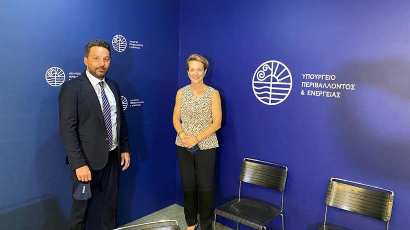 Η Χάλκη γίνεται το πρώτο GReco – Island. Υπογράφηκε το μνημόνιο Συνεργασίας από τον Υπουργό Περιβάλλοντος και Ενέργειας κ. Κώστα Σκρέκα