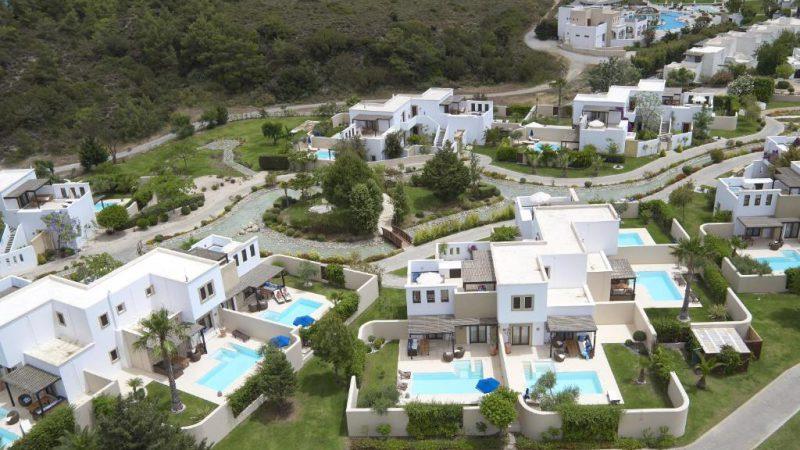Το Lindian Village της οικογένειας Σβυριάδη πουλήθηκε 27 εκατομμύρια ευρώ.